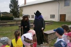 čarodějnice u věže